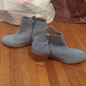 NWT suede baby blue Zara booties in size 7.5